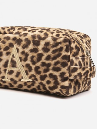 Spotted fabric beauty case with gold Times letter font embroidery - Detail