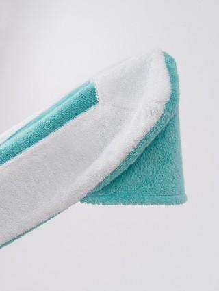 Telo sdraio con cappuccio in spugna 420 gr/mq - Dettaglio cappuccio tiffany bordo bianco