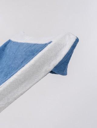 Telo sdraio con cappuccio in spugna 420 gr/mq - Dettaglio cappuccio bluette bordo bianco